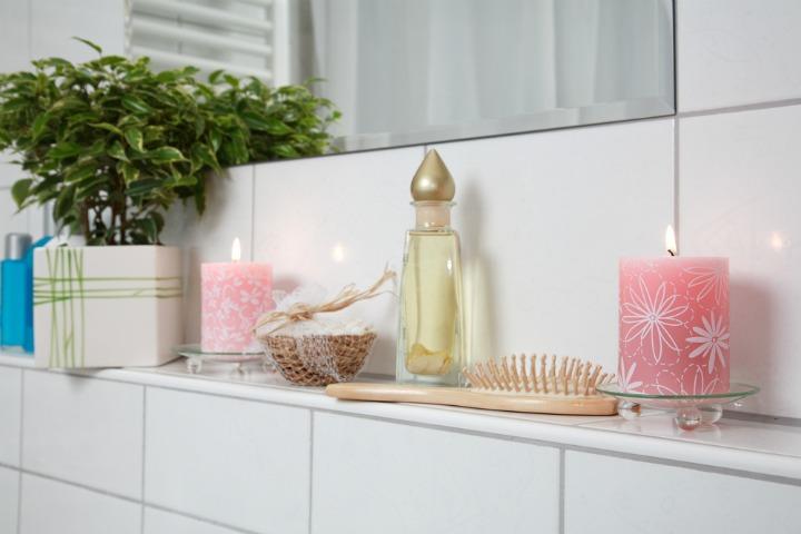 design ideas for bathrooms with no windows soakology. Black Bedroom Furniture Sets. Home Design Ideas